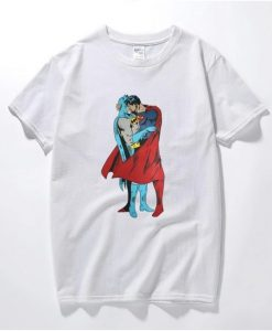 Batman VS Superman Kissing T-Shirt